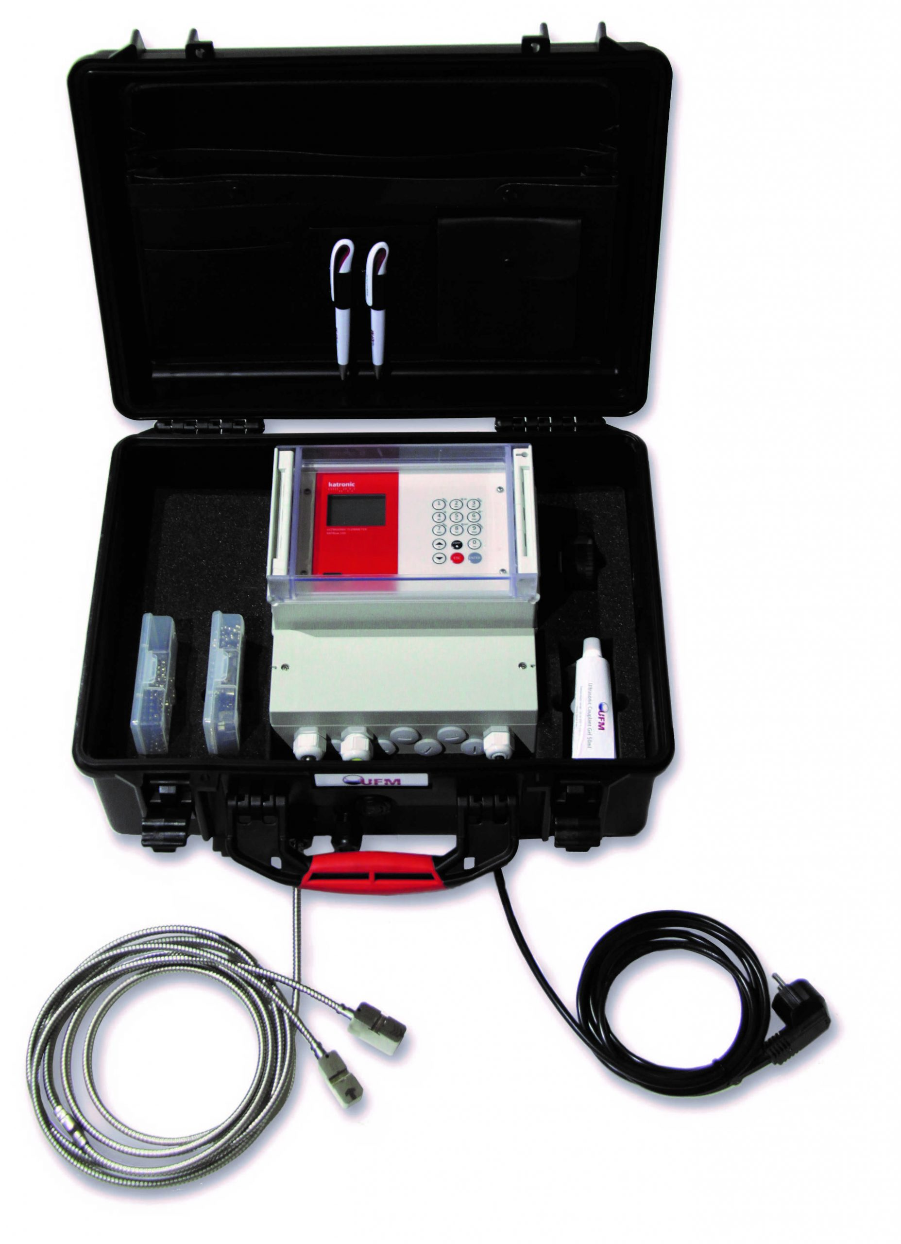 UFM-70 FS - multifunctioneel ultrasoon clamp-on flowmetersysteem in koffer | U-F-M b.v.