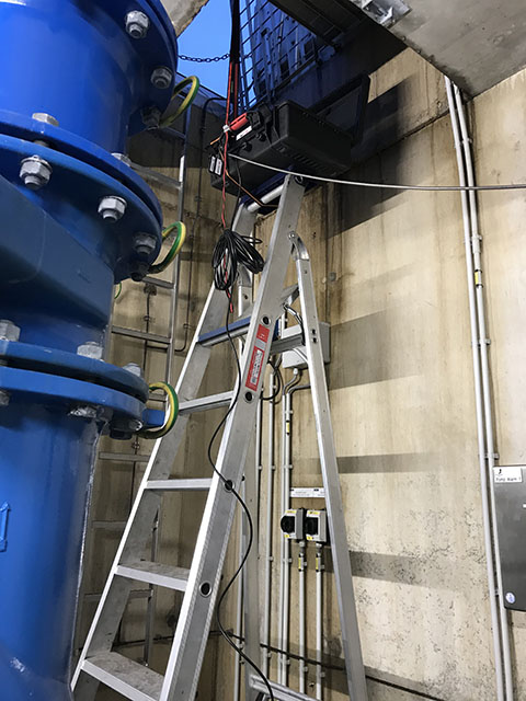 UFM-70 FS - ultrasoon clamp-on flowmetersysteem - capaciteitsmeting | U-F-M b.v.
